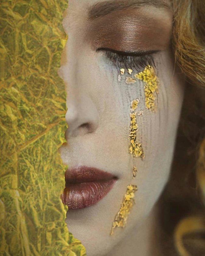Risultati immagini per donna e lacrime
